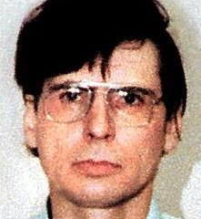 schizophrenic serial killer david richard berkowitz David richard berkowitz, also known as son of sam and the 44 caliber killer, is a serial killer and arsonist whose crimes terrorized the city of new.